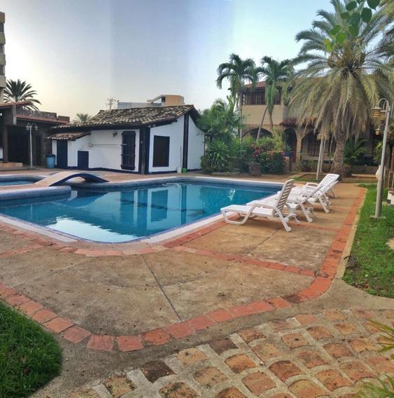 Town House En La Villa - T1