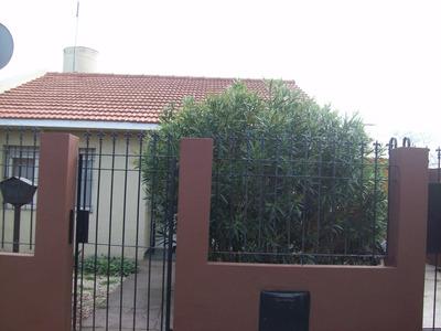 Casa En Venta/3 Ambientes Con Quincho Y Garage