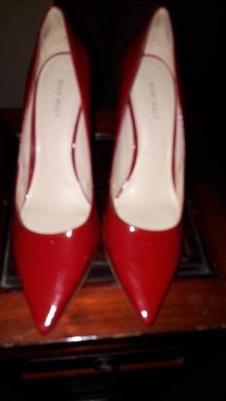 Stiletos Rojos