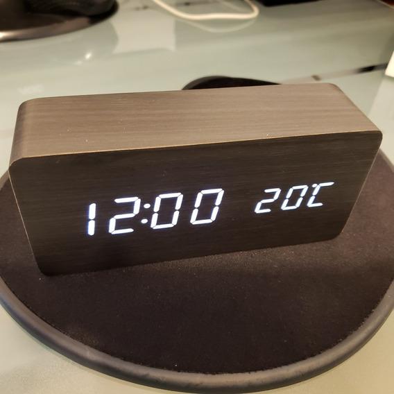 Reloj Digital Haus