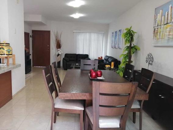 Casa Renta Amueblada, 3 Recamaras, 4 Baños, 2 Coches, 140mt