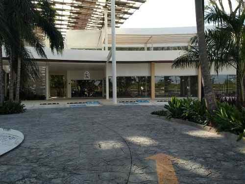 Renta De Locales Plaza Colosio Cancun