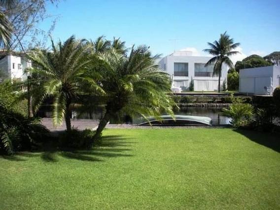 Casa Para Venda Em Camaçari, Interlagos, 4 Dormitórios, 2 Suítes, 3 Banheiros - Mm 450_2-549169