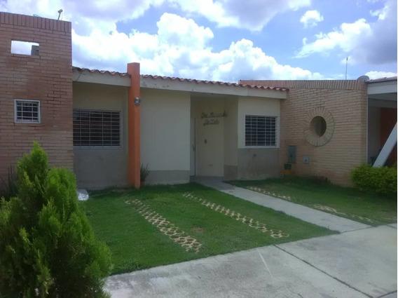 Townhouse En San Diego, Urb. Villa Del Campo. Lgth-025