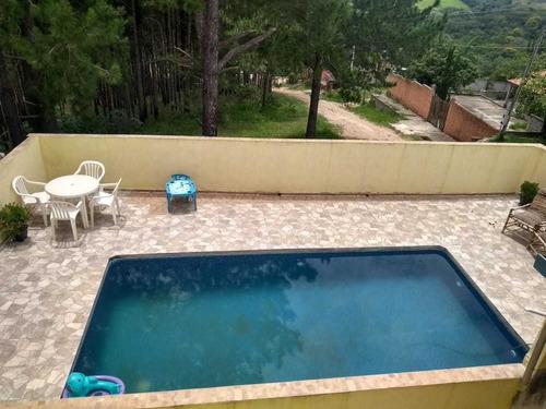 300m², Casa Com 02 Dormitórios, 03 Banheiros E Piscina !!