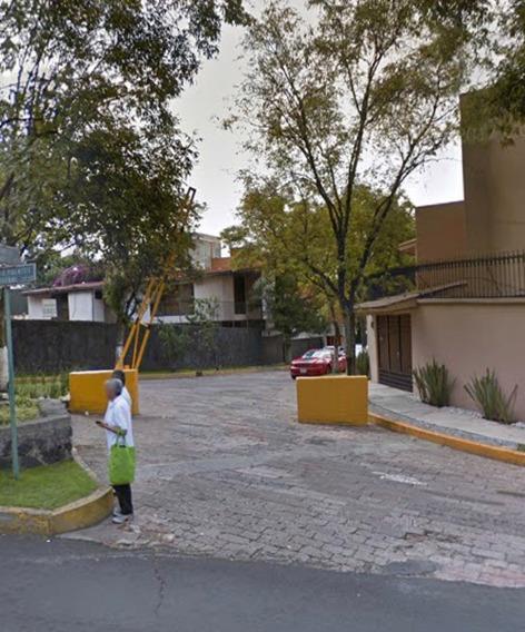 Remate De Casa De 5 Recámaras En Col. Fuentes Del Pedregal