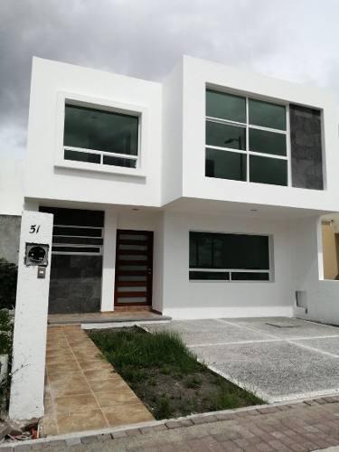 Hermosa Casa En El Mirador, 3 Recamaras, Sala Tv, Muy Amplia, Gran Ubicación !!