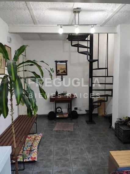 Casa De Pasillo 3 Dormitorios En Abasto Con Parrillero Sin Expensa