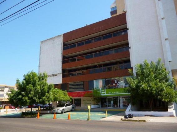 Verónica Ch. Vende Linda Oficina Calle 72 La Lago Maracaibo
