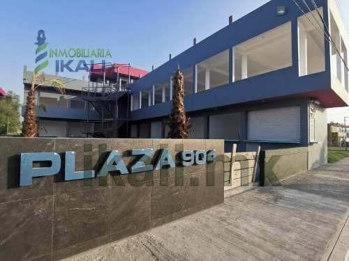 Renta Locales Comerciales Plaza Nueva La Calzada Tuxpan Veracruz. Se Rentan 10 Locales Comerciales Nuevos En Planta Baja, Ubicados En Plaza 904, Cuenta Con Baños Compartidos, Área De Comensales Para