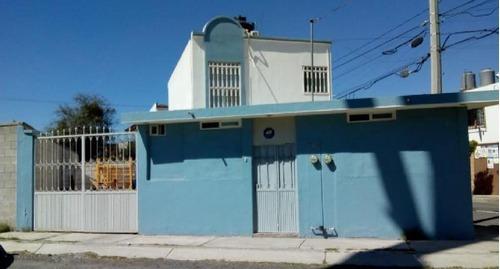 Venta De Casa Con Terreno Excedente En El Fracc. Tahi !!!