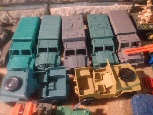 Imagen 1 de 10 de Vehiculos De Plastico Para Soldaditos Anfibios Jeeps Camione