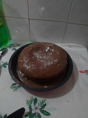 Imagem 1 de 2 de Bolo Cenoura Vulcão Chocolate
