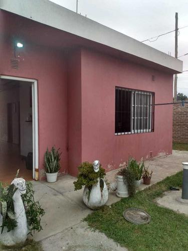 Casa 4 Ambientes Muy Amplia