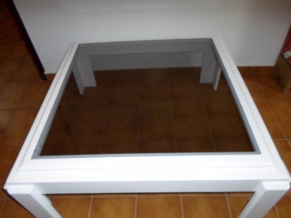 Mesa De Centro Em Madeira Maciça Laqueada Em Branco 90x90cm.