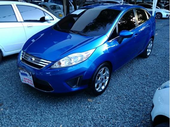 Ford Fiesta Motor 1.6 201a Azul Flama 4 Puertas