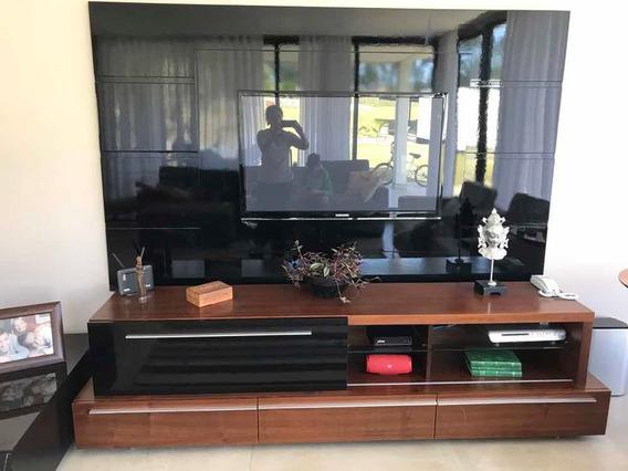 Rack Em Madeira E Laca Preta Com Painel De Tv