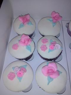 Cupcakes Personalizados. Mesa Dulce. Tortas