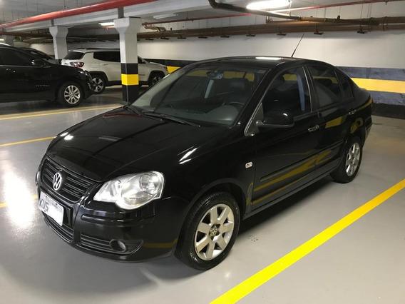 Volkswagen Polo Sedan 1.6 Comfortline Total Flex 4p