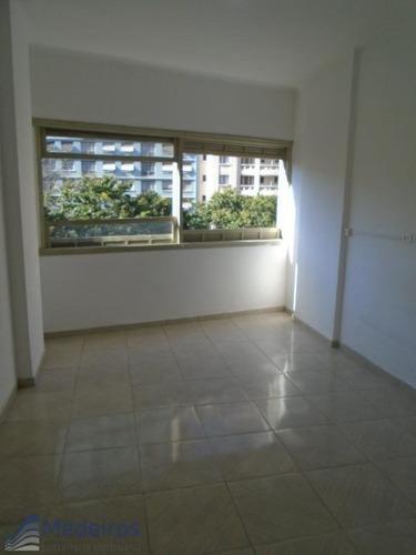 Imagem 1 de 11 de Ampla Kit Com Dormitório E Sala, Ao Lado Metrô República, Pç. Julio Mesquita-república. - Md597