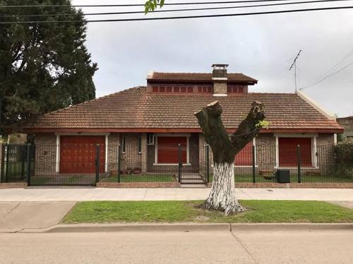 Importante Casa En Venta En El Centro De Marcos Paz, Zona Oeste, Buenos Aires