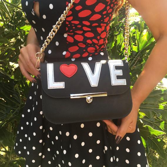 Bolsa Feminina Em Pvc, Com Patch Love Na Aba, Cor Preta