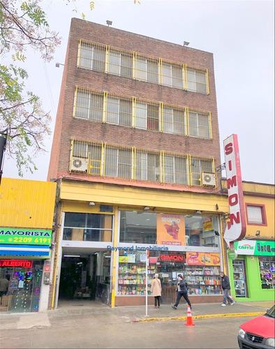 Excelente Edificio En El Mejor Punto Mayorista