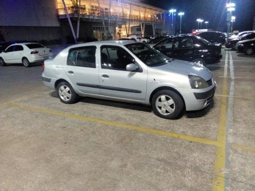 Imagem 1 de 12 de Renault Clio Sedan 1.6 16v Privilège 4p