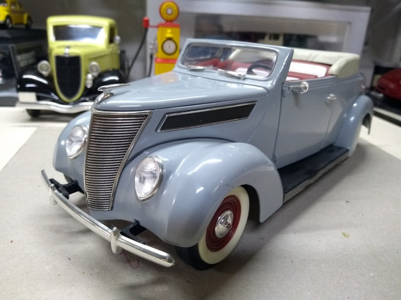 Miniatura Ford Roadster 1937 Road Signature 1/18