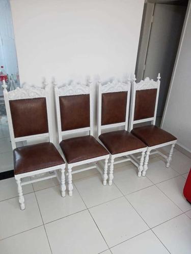 Imagem 1 de 2 de Cadeiras