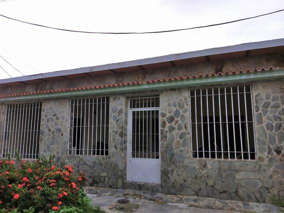 Rosaura Cortez Vende Casa Parque Midev Paraparal Los Guayos