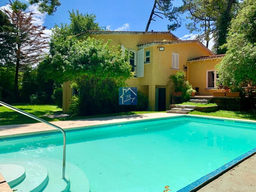 Casa En Venta Playa Mansa Punta Del Este- Ref: 1062