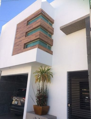 Casa En Venta Priv. La Hacienda Residencial $1,580,000