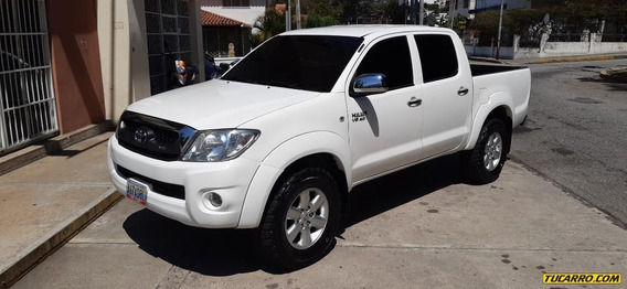 Toyota Hilux Kavak 4.0