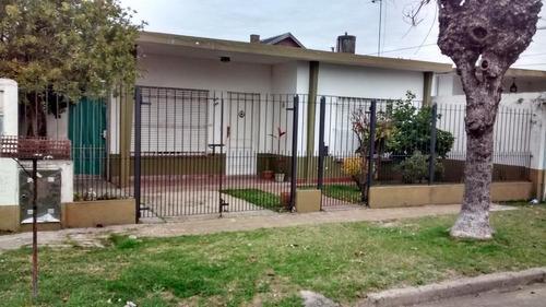 Regia Casa En Buena Ubicacion. Quilmes
