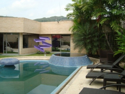 Ltr Vende Espectacular Casa Co Piscina En Guaparo Cod 290394