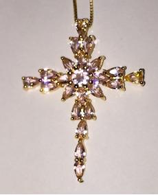Crucifixo Em Prata Com Turmalinas Rosas, Banhado A Ouro