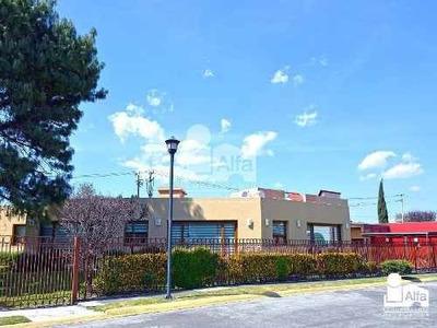Casa Con Excedente De Terreno En Venta En La Asunción, Metepec, Edo. De México