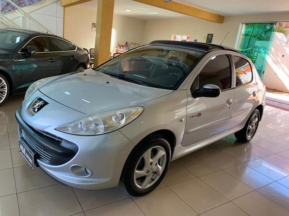 Peugeot 207 2011 1.4 Quiksilver Flex 5p + Teto Solar Prata