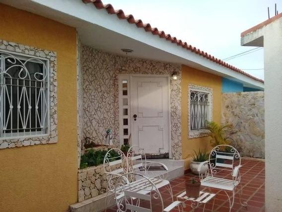 Casas En Venta En Maracaibo, Atgt Mls.20-458 Sta Fe 3