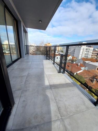 Venta / Departamento / Piso De 4 Ambientes Con Balcon Terraza Y Dos Cocheras / A Estrenar / Mar Del Plata