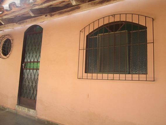 Casa Com 3 Quartos Para Comprar No São Bernardo Em Santa Bárbara/mg - 2470
