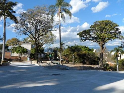 Terreno Urbano En Palmira Tinguindin / Cuernavaca - Est-806-tu*