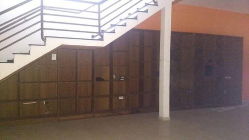 Imagem 1 de 14 de Loja Com Elevador De Cargas Disponível Pra Locação - Lo0016