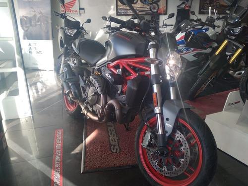 Ducati Monster 821 2017 Performance Bikes