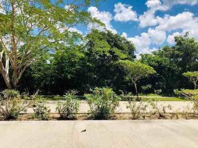 Terreno En Country Club Yucatan Privada Xpokin