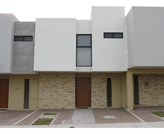 Casa En Renta En El Refugio, Queretaro, Rah-mx-20-3747
