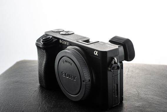 Câmera Sony A6300 Corpo + 4 Baterias E Carregador