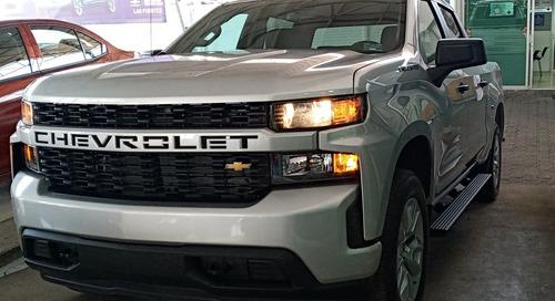 Chevrolet Silverado Custom
