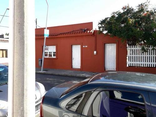 Venta Casa Esquinera 2 Dormitorios En Maldonado